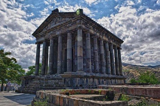 團體旅遊:埃里溫的Garni Temple,Geghard和Lavash...
