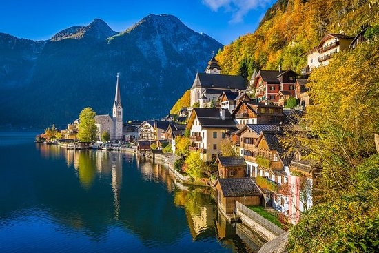 Salzkammergut and Hallstatt Private Full-Day Tour from Salzburg