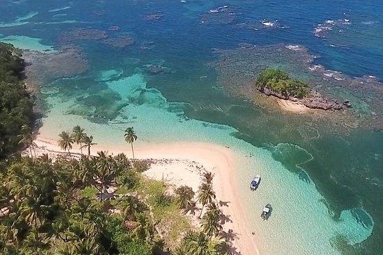 Tilbaketrukket strand Ermitaño med VIP-båt