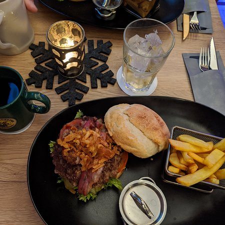 Tasty Bacon Burger with Jagatee. Friendly and helpful staff. 👍