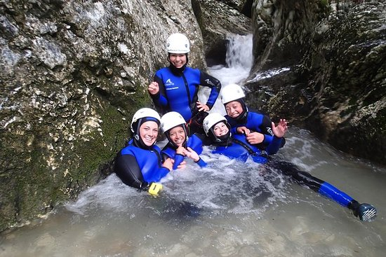 Fotografia de Aventura Exclusiva de Canyoning no Lago Bled