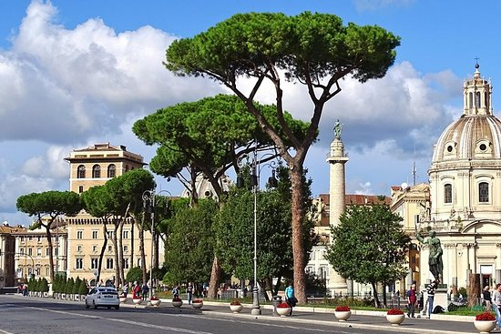 Фотография Welcome Rome Semi private walking tour