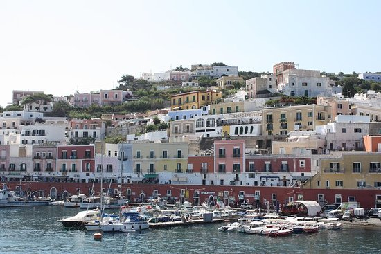 Full day boat excursion of Ponza & Palmarola from Rome
