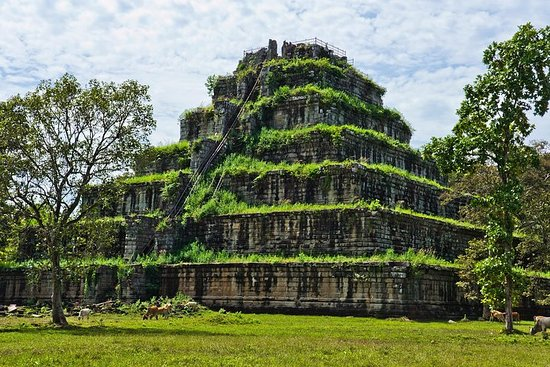 Excursion Koh Ker and Beng Mealea Day...