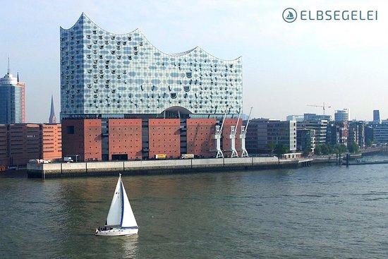 Segeltörns auf der Elbe in Hamburg...