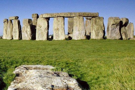 Liten gruppe dagstur til Stonehenge...