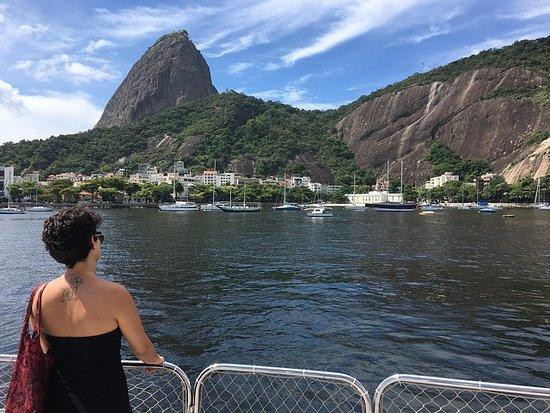 Rio From the Sea:瓜纳巴拉湾游轮,提供可选的烧烤午餐