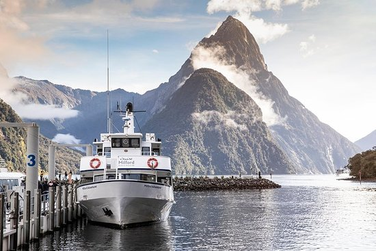 Milford Sound Tour and Scenic Cruise...