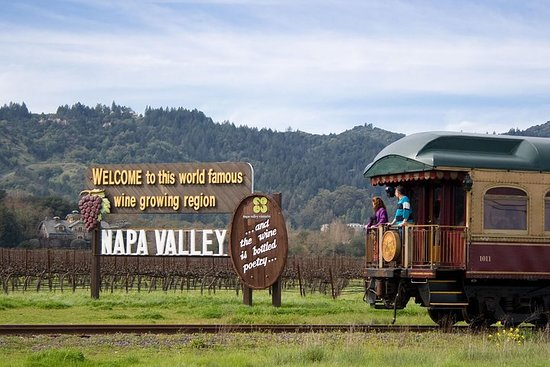 Napa Valley Vin Train: Castle Winery...