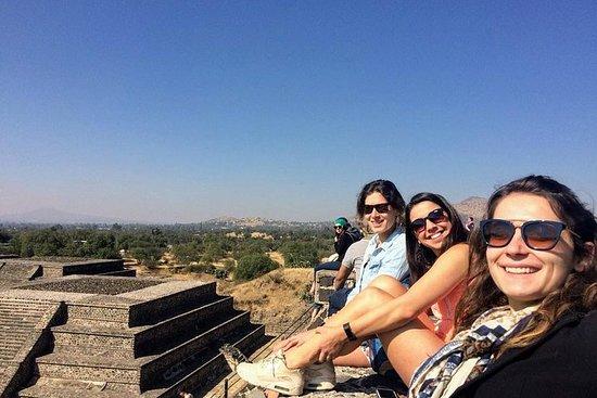 Teotihuacan zum ersten Mal am Morgen
