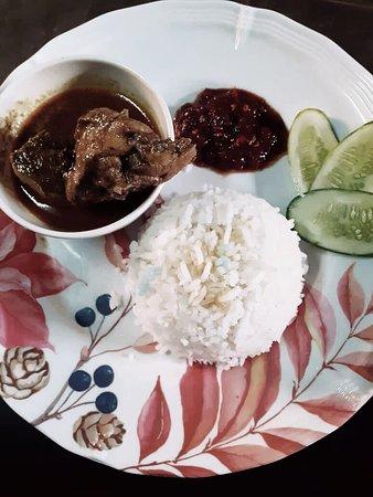 Pasir Mas, Малайзия: Nasi berlauk gulai ayam