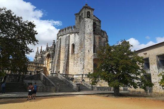 One Way Porto a Lisbona, attraverso Coimbra e Knight Templars Town of