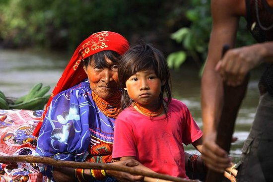 Authentic Day tour in Indigenous Guna...