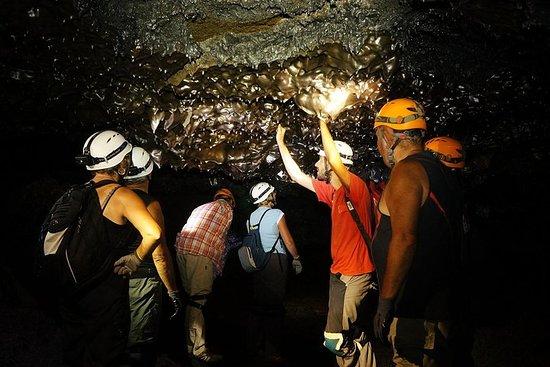 Découverte des tunnels de lave de la coulée 2004 du Piton de la...