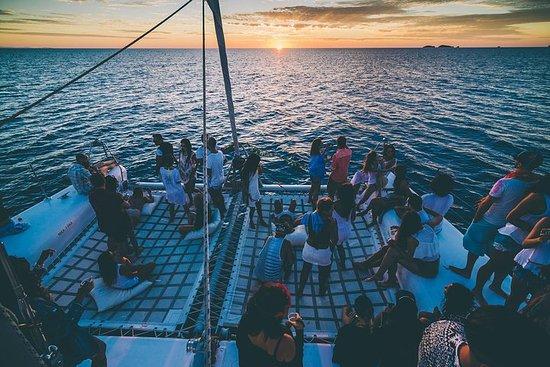 Oceanbeat Ibiza Sunset Catamaran mit...