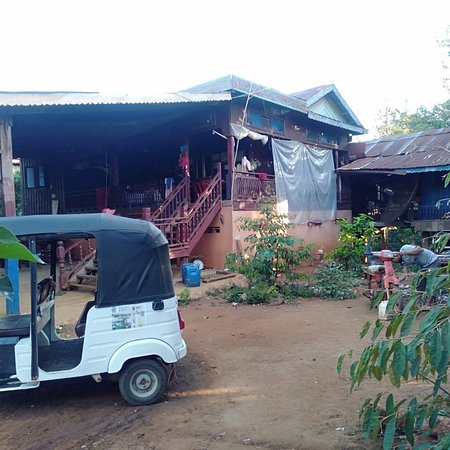 Welcome to Country Home, 4 km from Banlung,  1km close to waterfall. It's very nice place to spend your holiday with real genuine Khmer life.