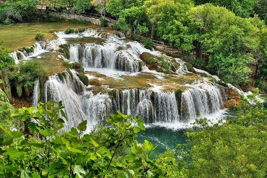 プライベートのクルカ滝とトロギル旧市街