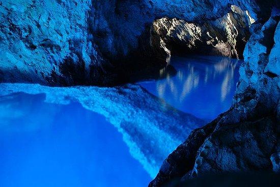 オミシュからの青の洞窟とフヴァル島のホッピング1日ツアー