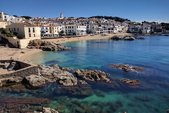 Costa Brava and Medieval Villages small group from Girona