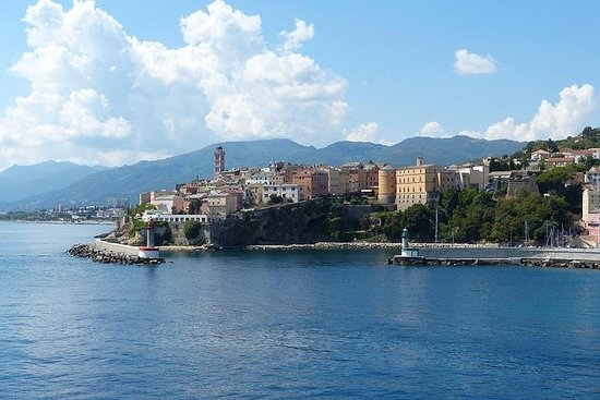 Bastia comme un local: Visite privée...