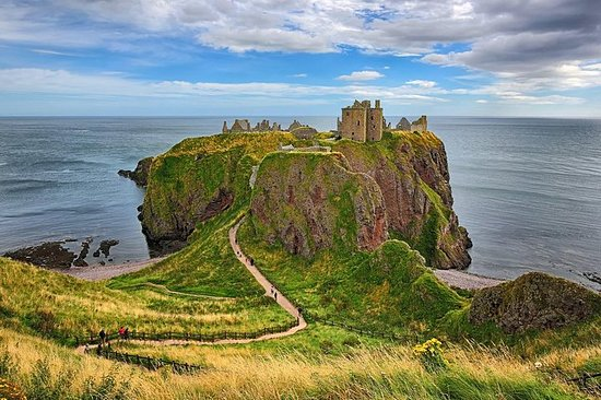 Dunnottar & Deeside Castle & Distillery Private one Day Tour & Photo...