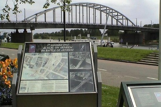 Private day trip of WW2 in The Netherlands