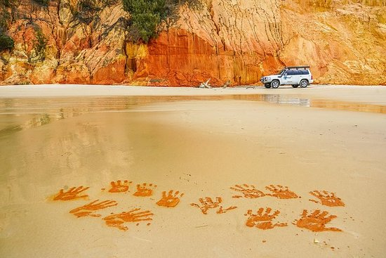 Great Beach Drive: 4WD Day Tour Between Noosa and Rainbow Beach