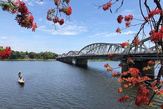Visite privée de la ville de Hue depuis...
