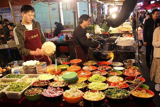 Enjoy like a Local - Kunming Food...