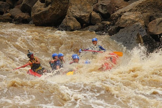 BEST White Rafting in Colombia Suarez 4/5