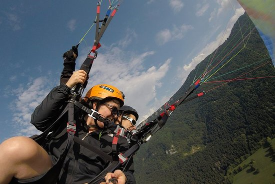 Paragliding Sensation Flight with Acrobatics (20mn) - Aix-les-Bains