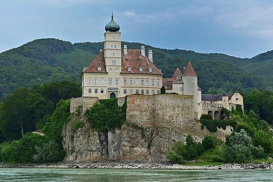 Private Day Trip to Wachau Valley...