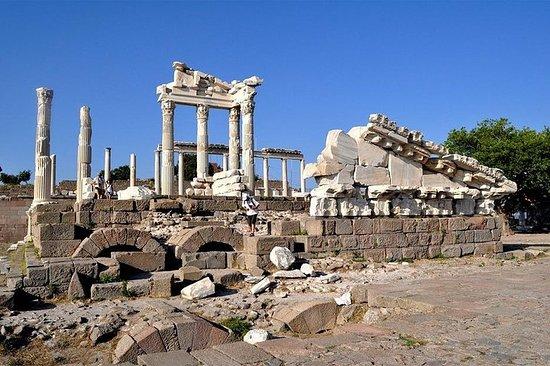 Tour della città antica di Pergamo da