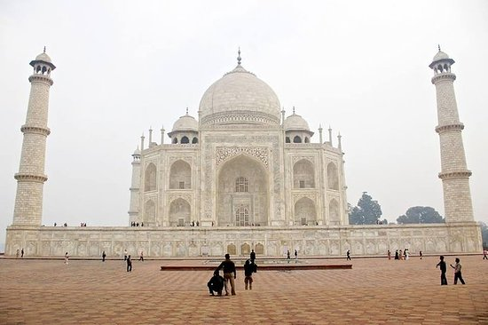 Same Day Agra Tour from Delhi by surface