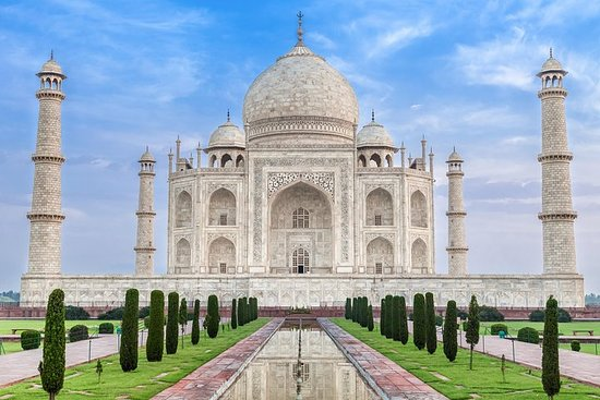 Taj mahal tour from Delhi Airport with...