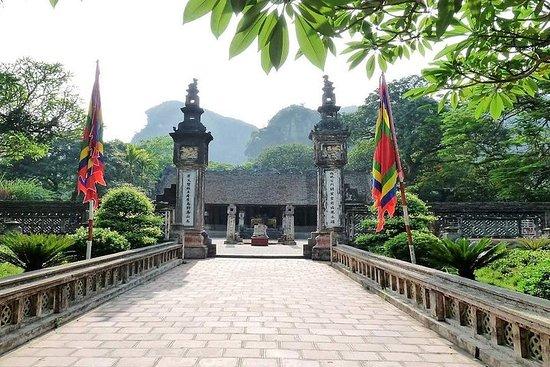 Visite en groupe d'une journée à Hoa Lu...