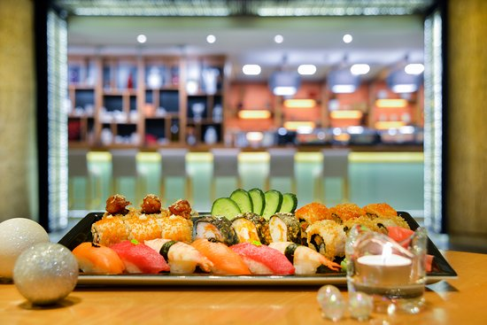 Can't wait to have sushi? Head out to Sushiramis and indulge in all-you-can-eat maki sushi!