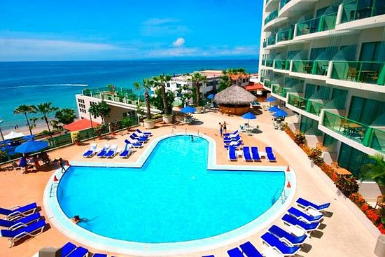 Full-Day All-Inclusive Tour til Barcelo Colon Miramar i Salinas fra...