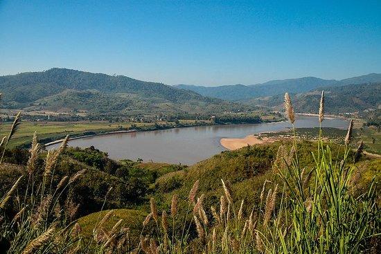Full Day Golden Triangle Båt mot Chiang Saen og Chiang Khong