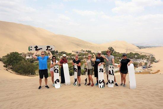 沙丘越野车和Sandboarding在Huacachina绿洲和Ballesta...