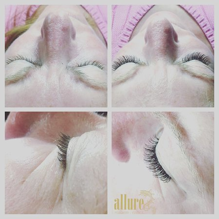 Eyelash extensions silk one by one and volume