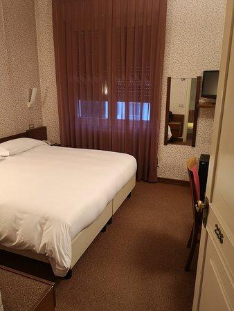 Camere Da Letto Brescia.Camera Da Letto Picture Of Hotel Brescia Darfo Boario Terme