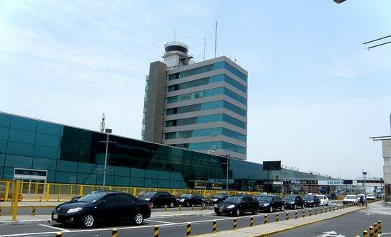 servicio de taxi aeropuerto Jorge chavez lima perú