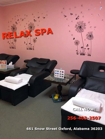 Here at Moonlight Spa, Offering traditional Asian massage and many other massage modalities in a serine, relaxing environment, we are a proud Asian Spa located in Orland Park, Illinois Where we enjoy taking care of our clients. It's what we do best! You can either Book your appointment via phone call or just simply walk-in anytime where we are always ready to help!