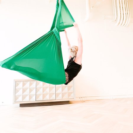 Bentonville, AR: Daily Aerial Yoga Classes