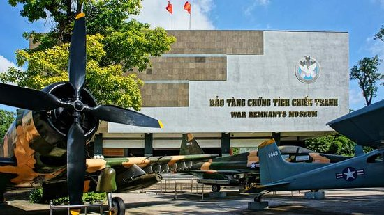 Cidade de Ho Chi Minh, Vietname: ITINERARY TOUR - HO CHI MINH CITY 45$/PAX - We will visit War Crime Museum  - Thien Hau Temple  - China town   - Visit Reunification Hall - The Notre Dame Cathedral  - General Post Office  Including:  •	Air conditioned bus/minivan/car •	English speaking guide •	Wet tissue and one bottle of water/person •	Travel insurance •	All ticket in tour