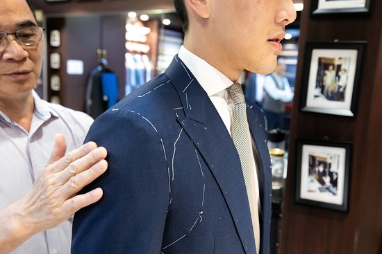 ‪Empire International Tailors‬