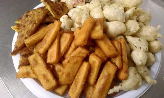 Frisceu (frittelle) panissa  e farinata