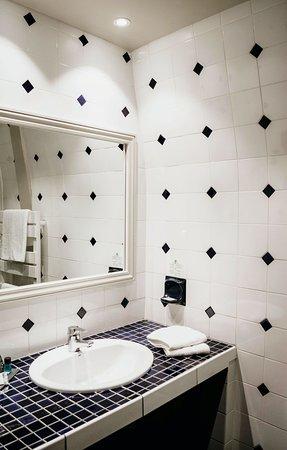 """salle de bain de la catégorie """"chambre chambre double supérieure """" à 185€"""