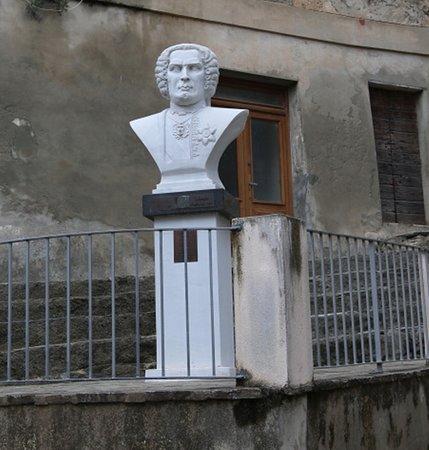 Buste de Théodore de Neuhoff